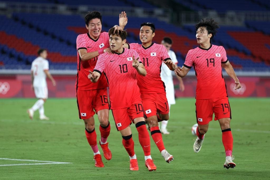 Olympic Hàn Quốc thảm bại 3-6, rơi nước mắt chia tay Thế vận hội Tokyo - ảnh 8