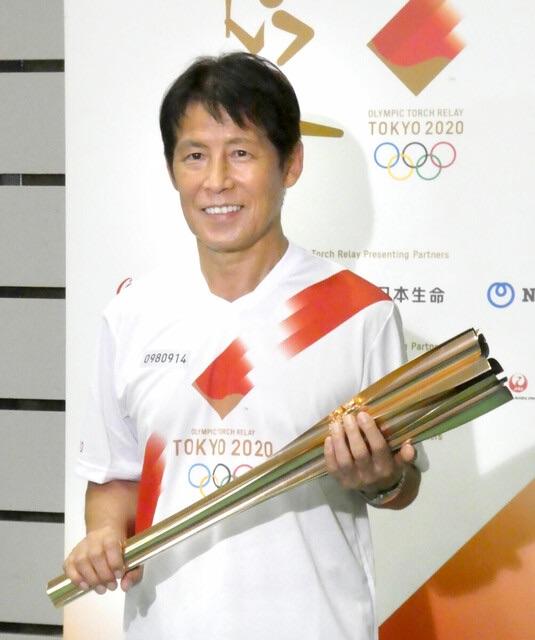 HLV Akira Nishino khẳng định sẽ tiếp tục làm việc tại nước ngoài tại lễ rước đuốc Olympic Tokyo 2021 - Ảnh 1.