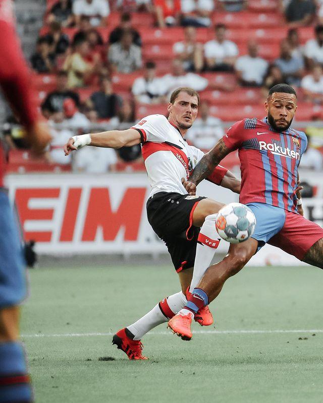 Depay xử lý đẳng cấp, ghi 2 bàn trong 2 trận đầu tiên ở Barcelona - Ảnh 9.