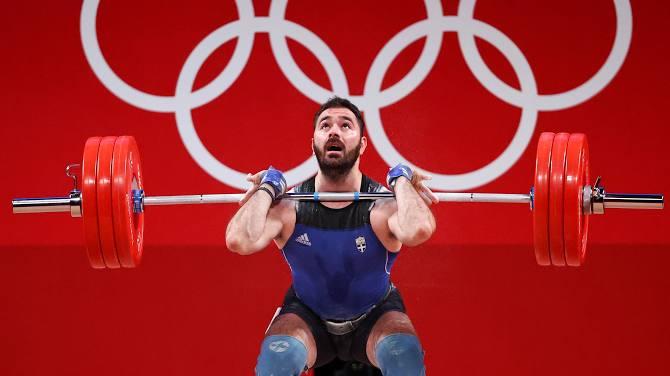 Vừa thi xong tại Olympic, lực sĩ bật khóc nức nở và tuyên bố giải nghệ, các fan không khỏi xót xa khi nghe lý do - Ảnh 4.