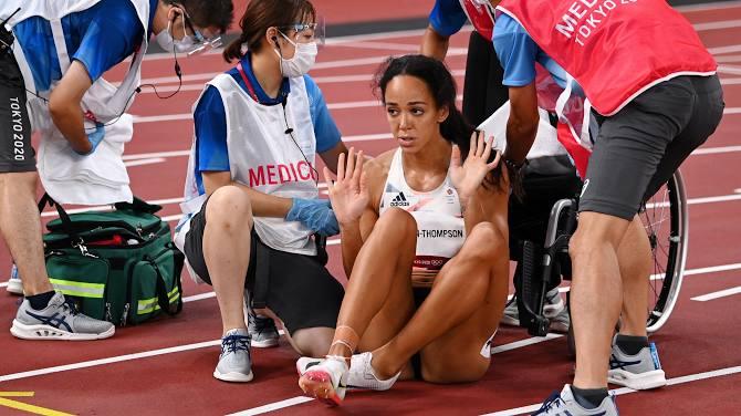 Xúc động khoảnh khắc nữ VĐV nén đau hoàn tất phần thi tại Olympic - Ảnh 4.