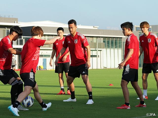 Thiếu Minamino, tuyển Nhật Bản vẫn rộng cửa thắng tuyển Oman - Ảnh 2.