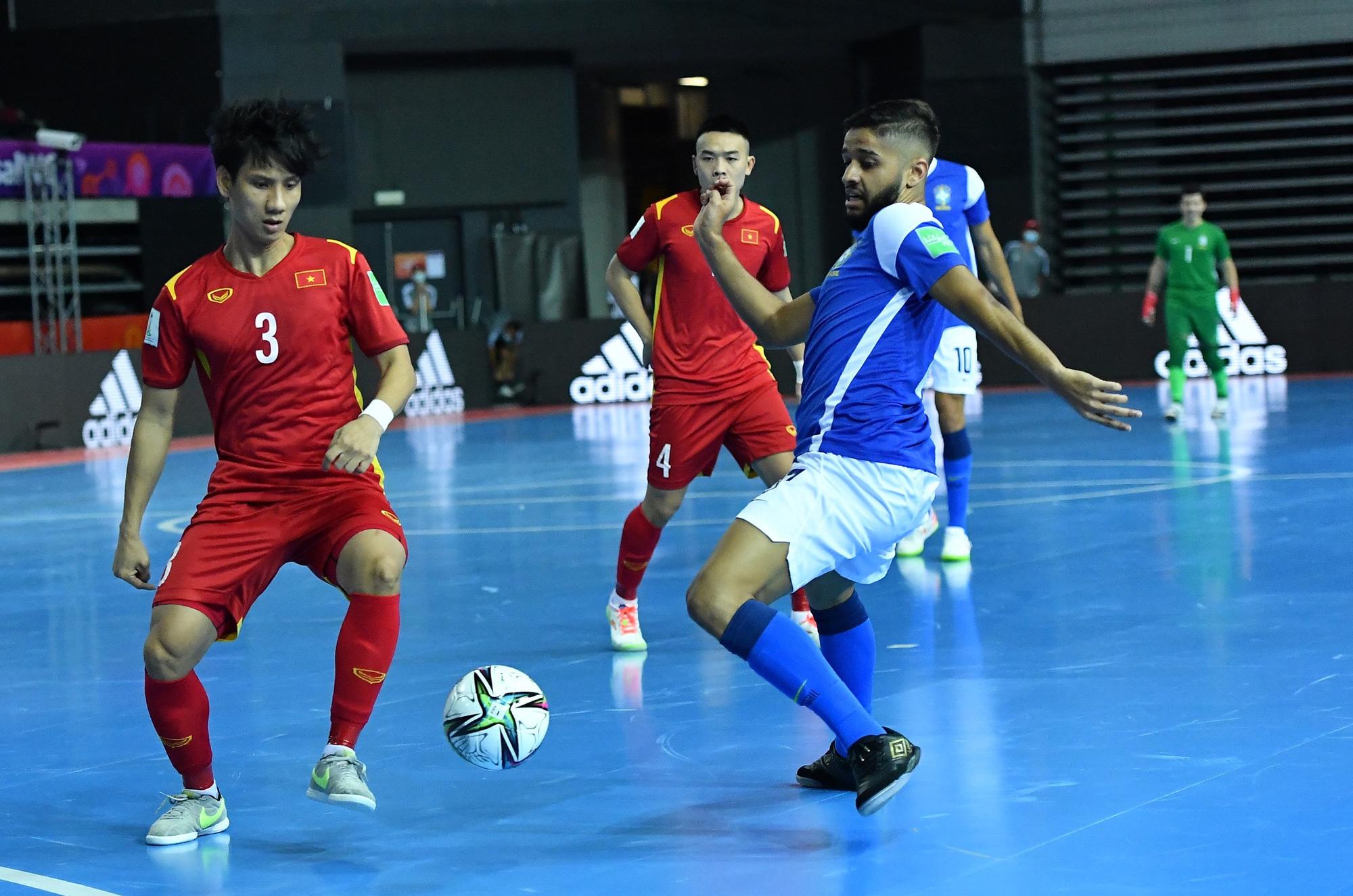 HLV trưởng ĐT futsal Việt Nam lạc quan sau trận thua Brazil: Ghi bàn đã là 1 hạnh phúc - ảnh 5