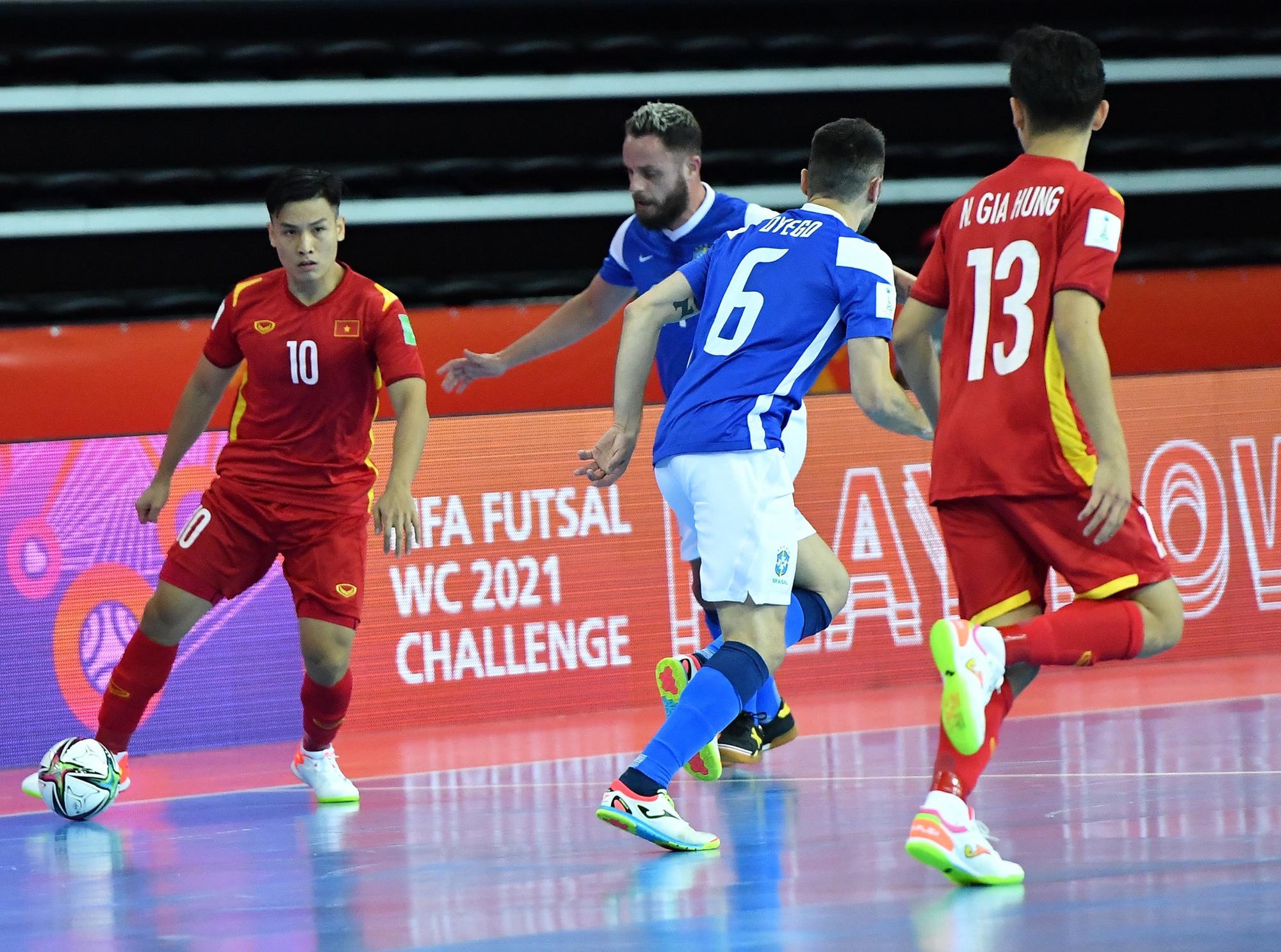 HLV trưởng ĐT futsal Việt Nam lạc quan sau trận thua Brazil: Ghi bàn đã là 1 hạnh phúc - ảnh 4