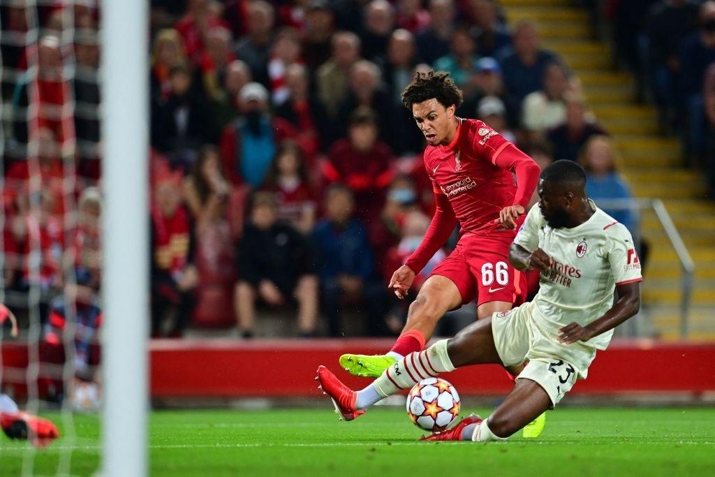 Salah đá hỏng phạt đền và 3 phút vô cùng điên rồ khiến Liverpool suýt mất điểm trước Milan - ảnh 4