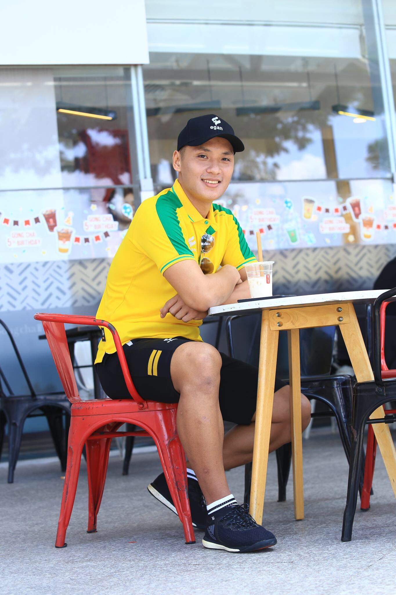Ngắm loạt ảnh thời học sinh cắp sách đến trường của 2 người hùng futsal Việt Nam - Ảnh 6.