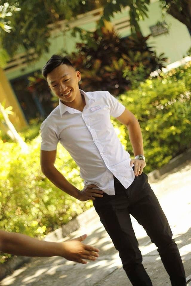 Ngắm loạt ảnh thời học sinh cắp sách đến trường của 2 người hùng futsal Việt Nam - ảnh 4