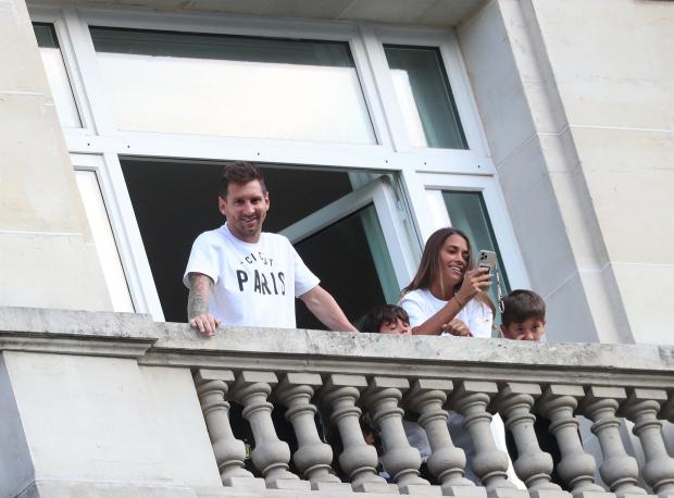 Di Maria tiết lộ Messi gặp khó khăn tại Paris vì chưa tìm được nhà ở - Ảnh 1.