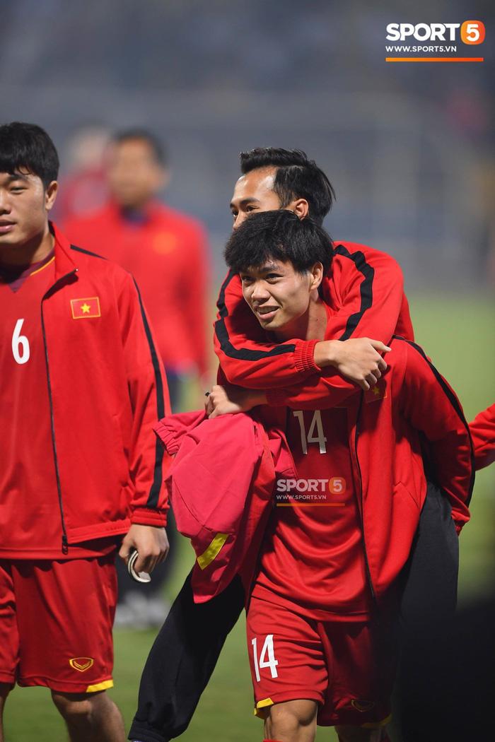 """Công Phượng, Văn Toàn """"song kiếm hợp bích"""" giúp tuyển Việt Nam thắng đội U22 - Ảnh 1."""