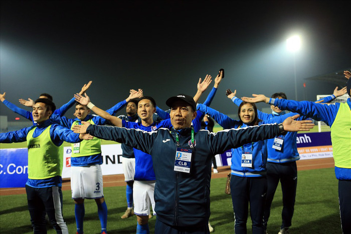 Cầu thủ CLB Than Quảng Ninh có thể mất trắng nhiều tỷ đồng nếu muốn thanh lý hợp đồng - Ảnh 1.