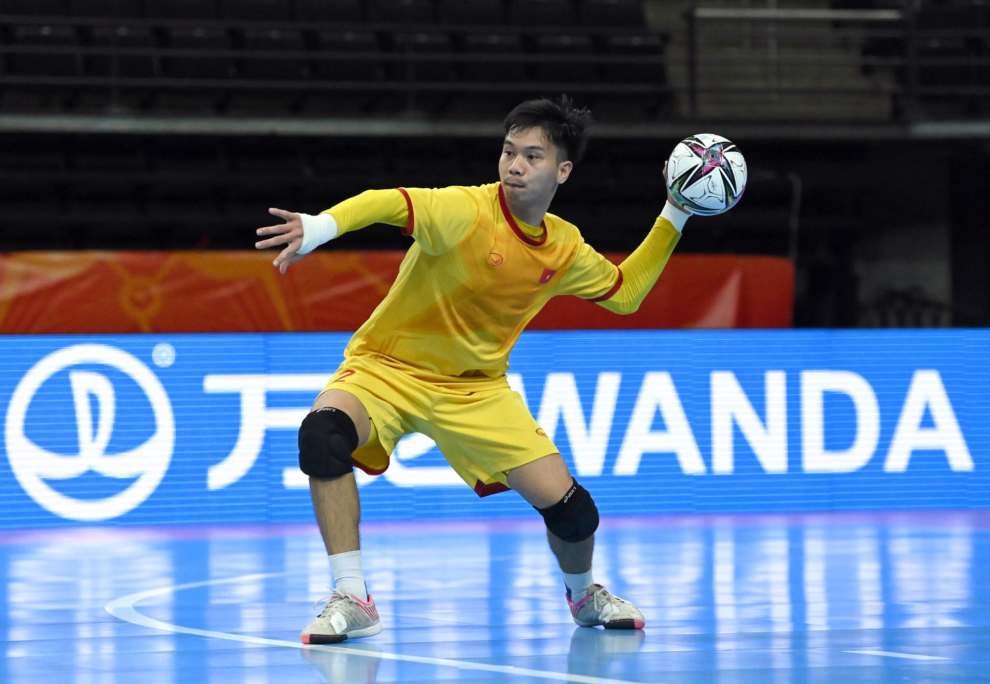Vào đến vòng 16 đội World Cup 2021, các tuyển thủ futsal Việt Nam vẫn chỉ có lượt theo dõi khiêm tốn trên mạng xã hội - Ảnh 3.