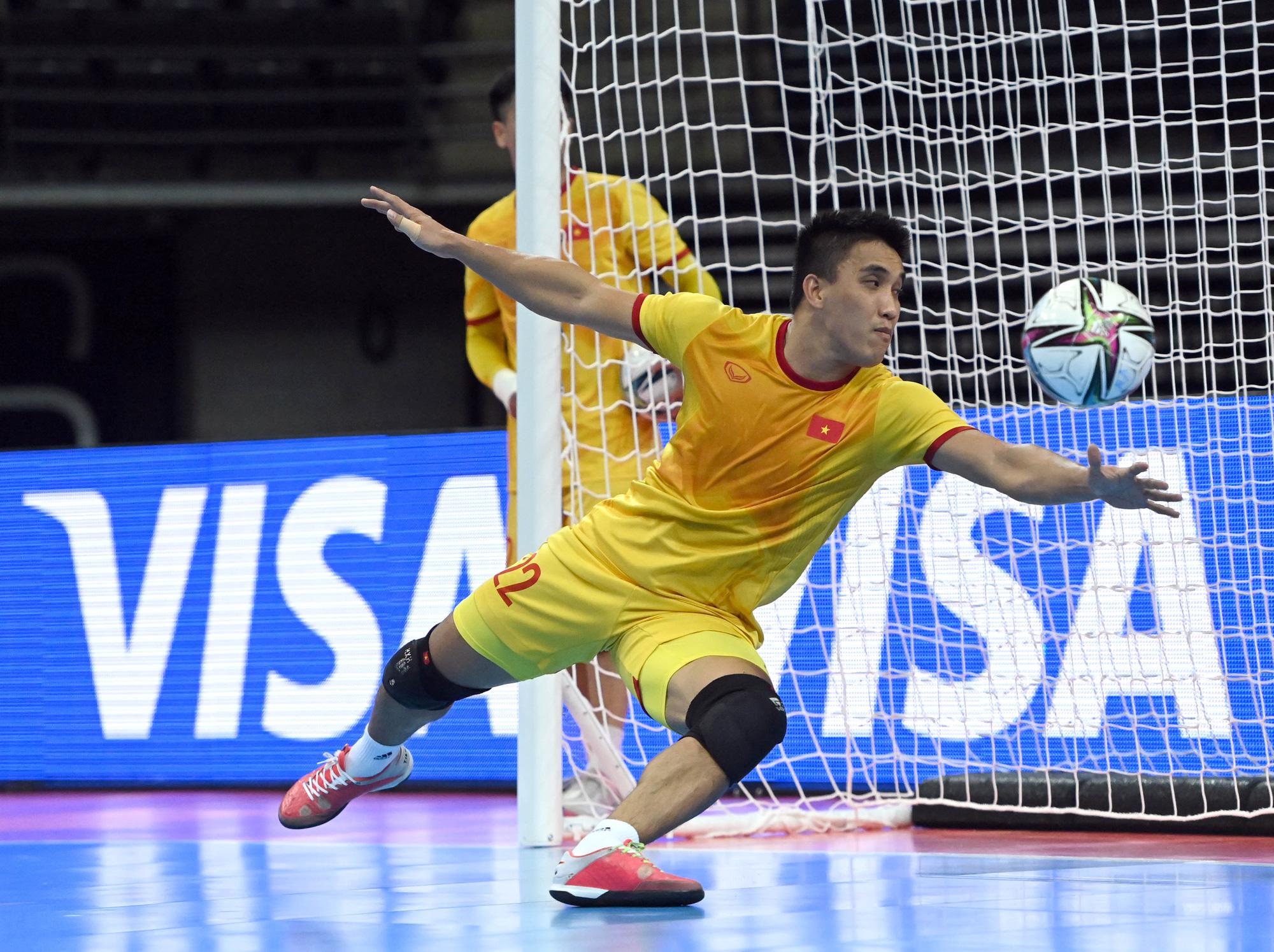 Vào đến vòng 16 đội World Cup 2021, các tuyển thủ futsal Việt Nam vẫn chỉ có lượt theo dõi khiêm tốn trên mạng xã hội - Ảnh 4.