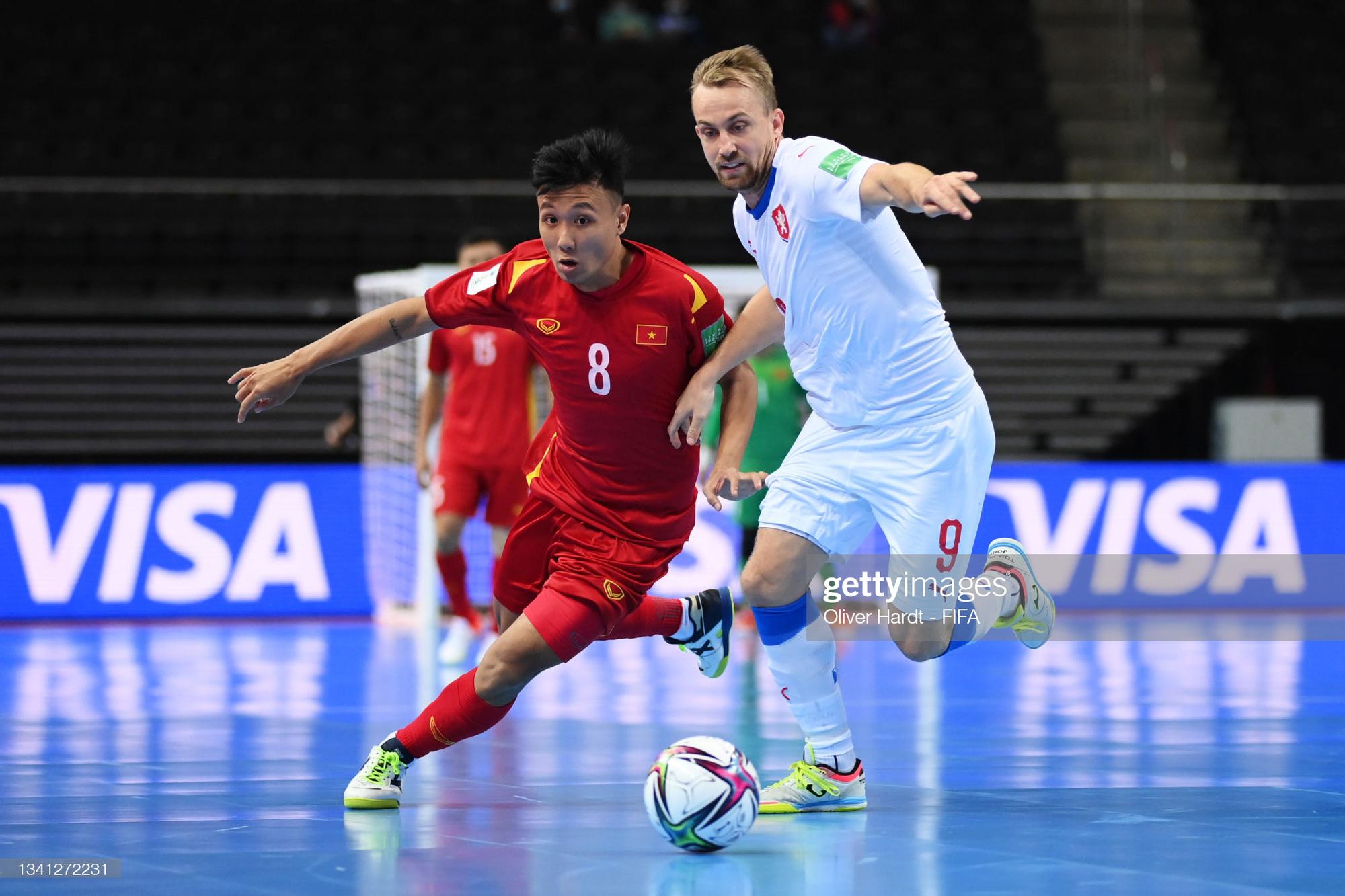 Vào đến vòng 16 đội World Cup 2021, các tuyển thủ futsal Việt Nam vẫn chỉ có lượt theo dõi khiêm tốn trên mạng xã hội - Ảnh 17.
