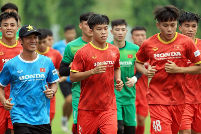 Dân mạng đề xuất đưa U22 đá giải AFF Cup, tuyển Việt Nam giữ sức cho vòng loại 3 World Cup 2022 - Ảnh 3.