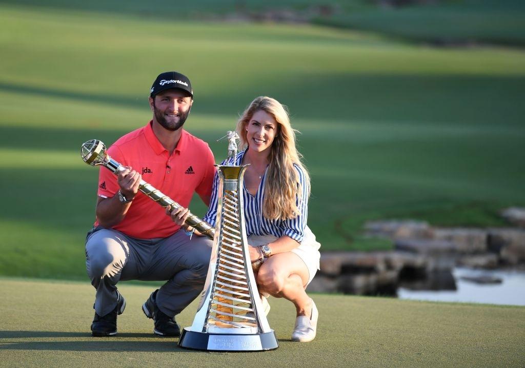 Đừng tưởng cặm cụi cuốc đất không biết nhìn đời, dàn WAGs của các golf thủ nóng bỏng chẳng kém những siêu sao quần đùi áo số - Ảnh 4.