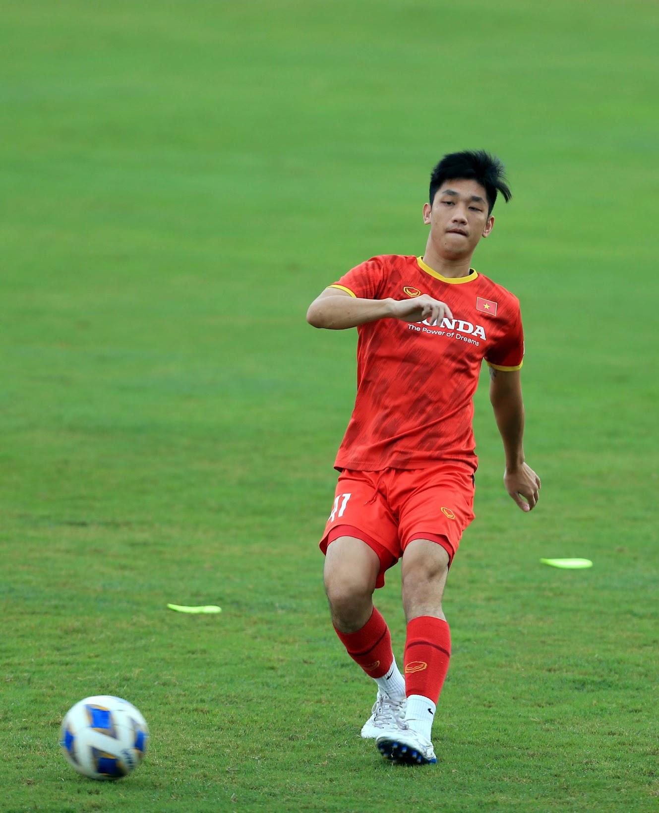 Tuấn Anh và đồng đội hào hứng khi trở thành thủ môn bất đắc dĩ cho tuyển Việt Nam - ảnh 27