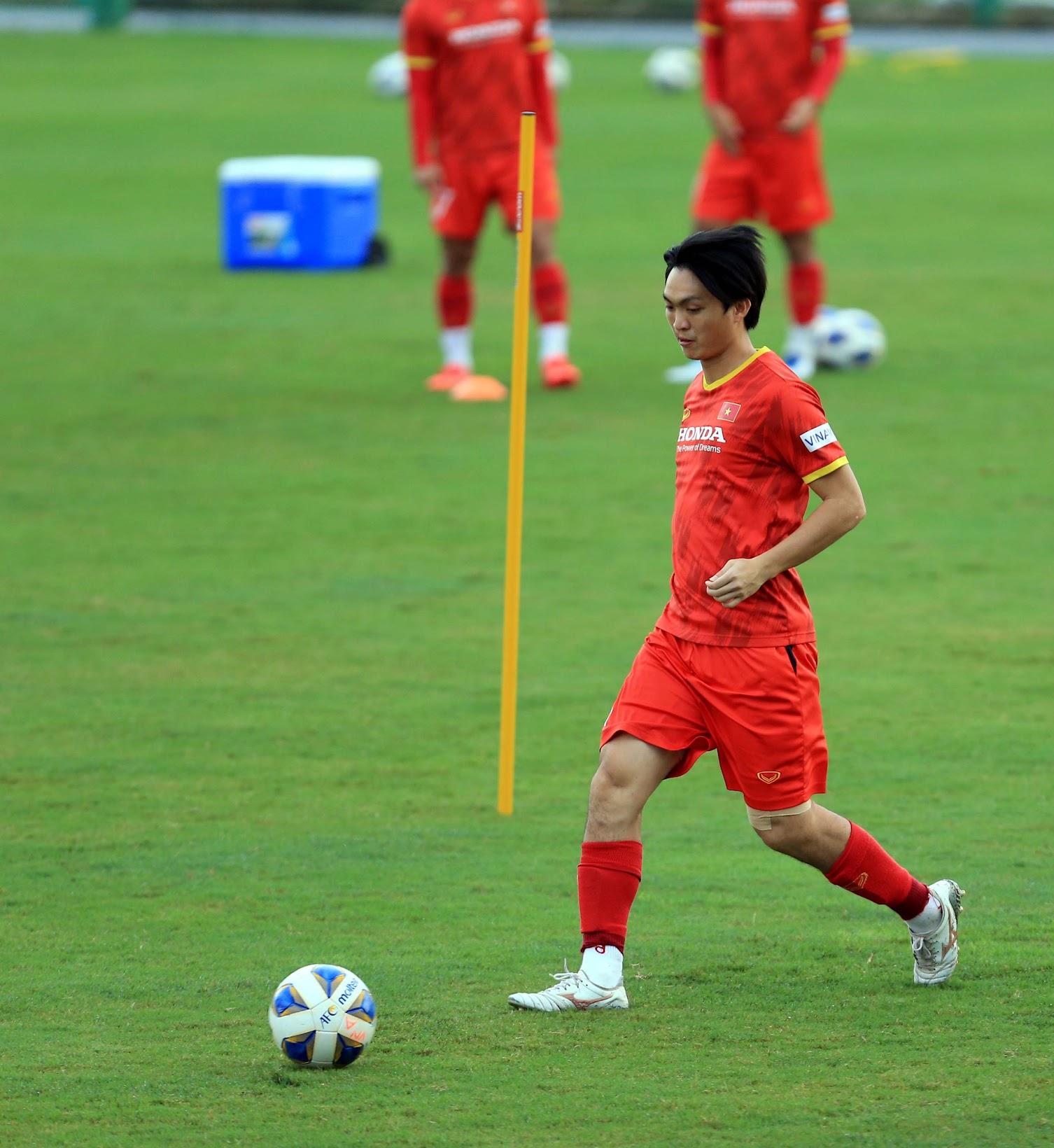 Tuấn Anh và đồng đội hào hứng khi trở thành thủ môn bất đắc dĩ cho tuyển Việt Nam - ảnh 15