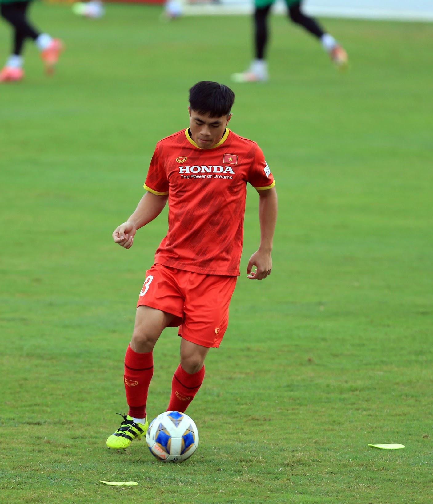 Tuấn Anh và đồng đội hào hứng khi trở thành thủ môn bất đắc dĩ cho tuyển Việt Nam - ảnh 17