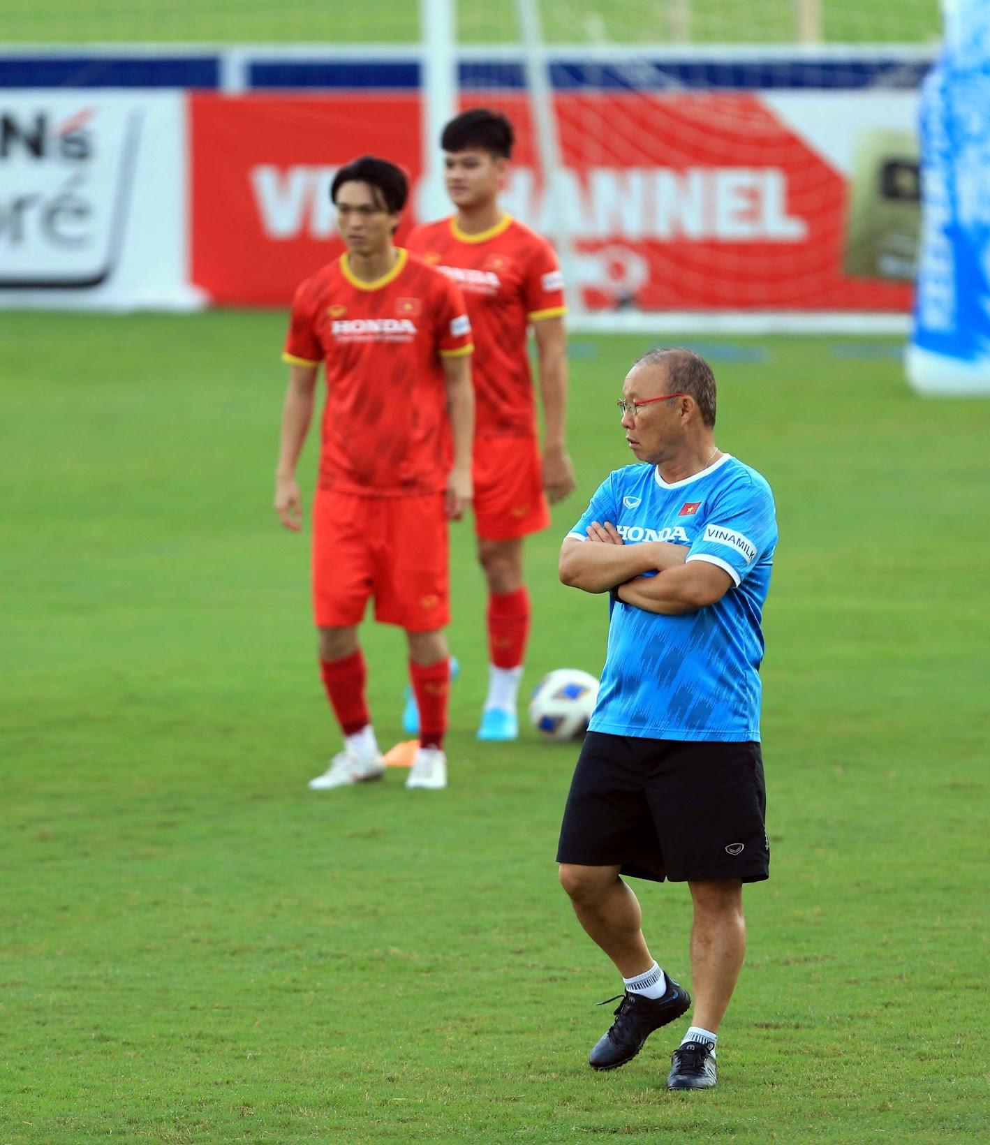 Tuấn Anh và đồng đội hào hứng khi trở thành thủ môn bất đắc dĩ cho tuyển Việt Nam - ảnh 19