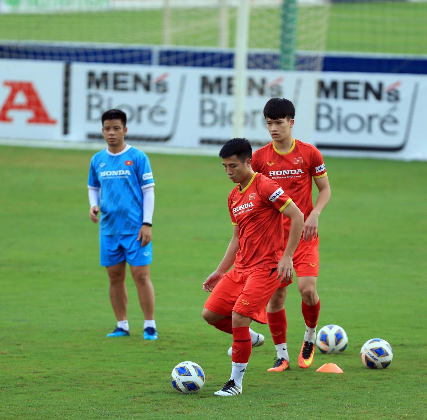 Tuấn Anh và đồng đội hào hứng khi trở thành thủ môn bất đắc dĩ cho tuyển Việt Nam - ảnh 25