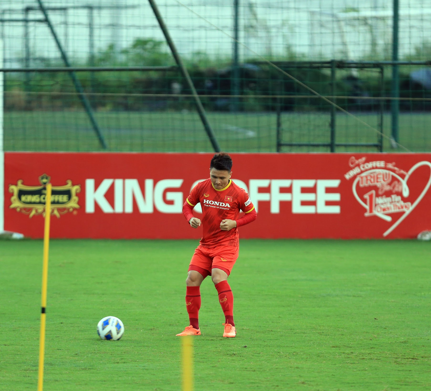 Tuấn Anh và đồng đội hào hứng khi trở thành thủ môn bất đắc dĩ cho tuyển Việt Nam - ảnh 14