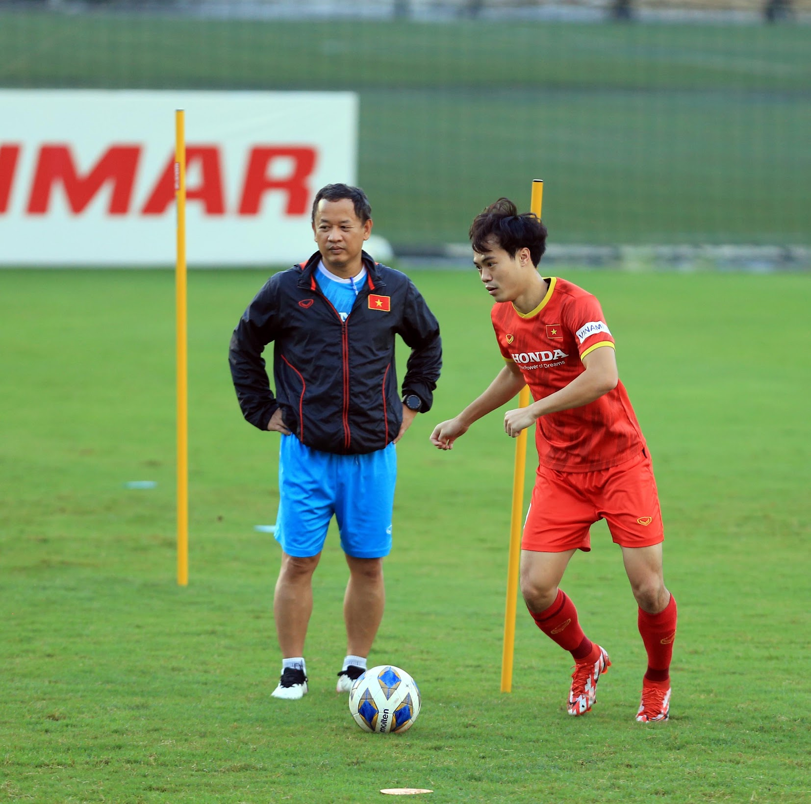 Tuấn Anh và đồng đội hào hứng khi trở thành thủ môn bất đắc dĩ cho tuyển Việt Nam - ảnh 29