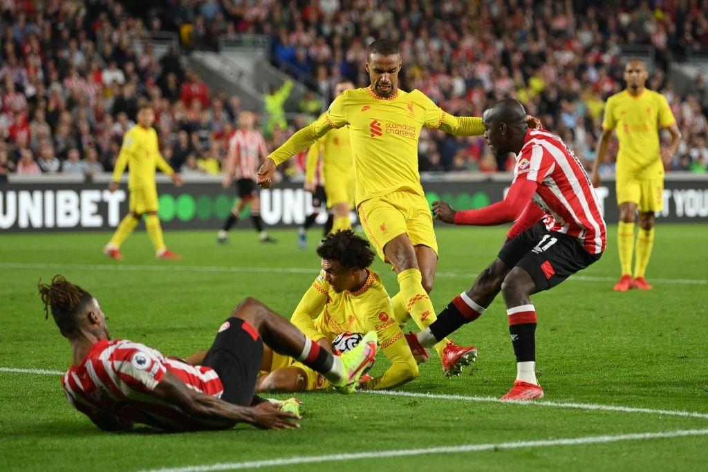 Lượt trận kỳ lạ: Nối gót MU và Chelsea, Liverpool cũng chơi trò sẩy chân khi đối đầu tân binh - ảnh 16