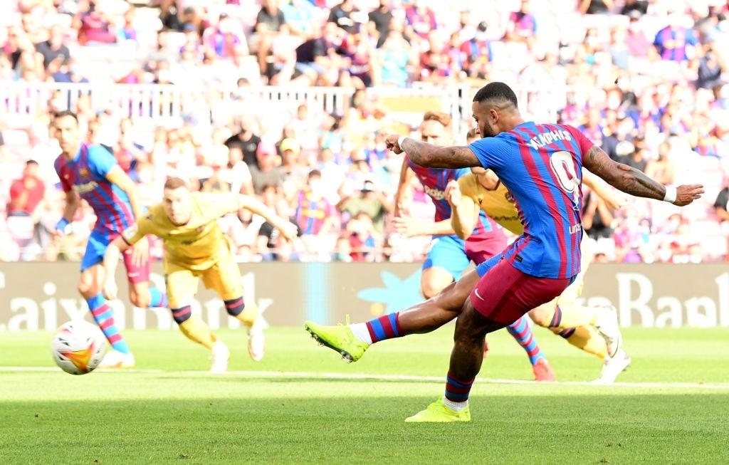 Truyền nhân của Messi trở lại và ghi bàn, Barcelona thắng tưng bừng sau chuỗi ngày u ám - Ảnh 3.
