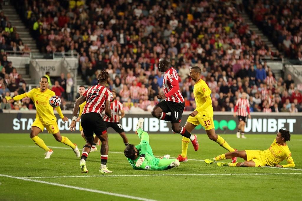 Lượt trận kỳ lạ: Nối gót MU và Chelsea, Liverpool cũng chơi trò sẩy chân khi đối đầu tân binh - ảnh 15