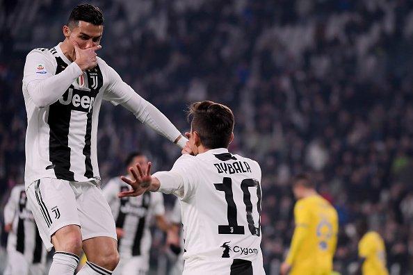 Ronaldo được đồng đội Lingard dạy làm trò, hứa hẹn màn kết hợp độc lạ sắp ra mắt - Ảnh 3.