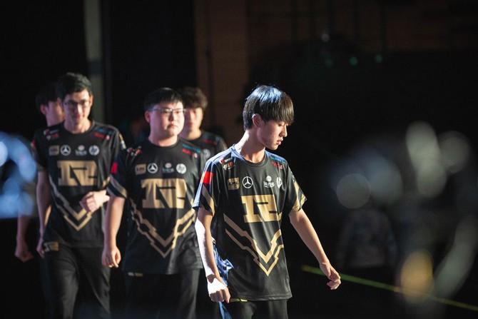 Lý do nào khiến những đội tuyển Hàn Quốc thi đấu mờ nhạt tại CKTG 2018? - Ảnh 2.