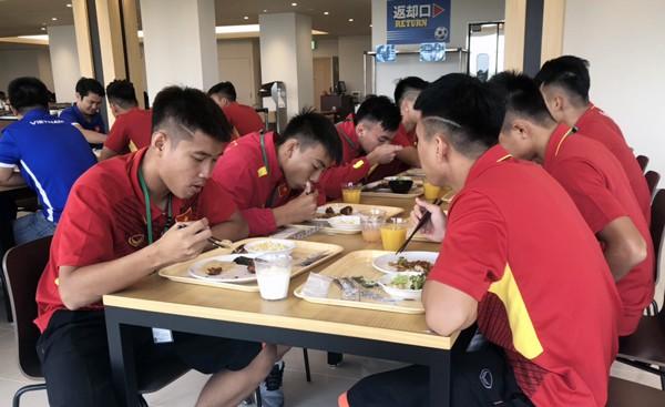 U17 Việt Nam được tập trên sân tập của đội tuyển Argentina, sẵn sàng chinh phục giải Jenesys 2018 - Ảnh 6.