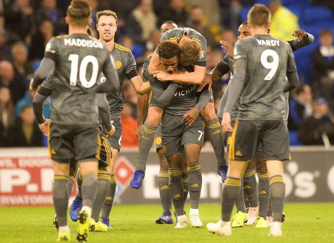 Cầu thủ Leicester bàng hoàng vì bị trừng phạt sau khi cởi áo tri ân ông Vichai - Ảnh 3.
