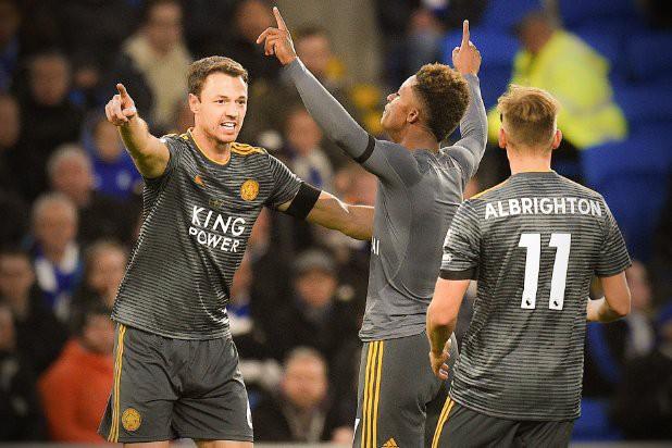 Cầu thủ Leicester bàng hoàng vì bị trừng phạt sau khi cởi áo tri ân ông Vichai - Ảnh 4.