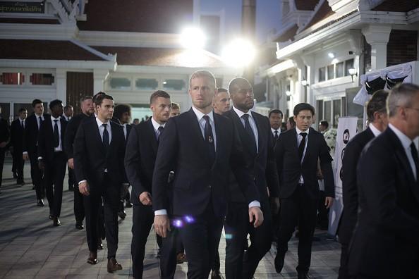 Ban lãnh đạo và cầu thủ Leicester sang Thái Lan viếng cố Chủ tịch Vichai - Ảnh 3.