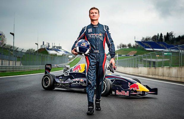 Tay đua F1 David Coulthard và hành trình nô đùa với cái chết - Ảnh 1.