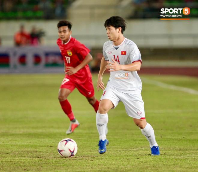 HLV Dương Hồng Sơn: Nếu đội tuyển Việt Nam gặp đối thủ mạnh hơn, tôi nghĩ Công Phượng không được đá chính - Ảnh 2.