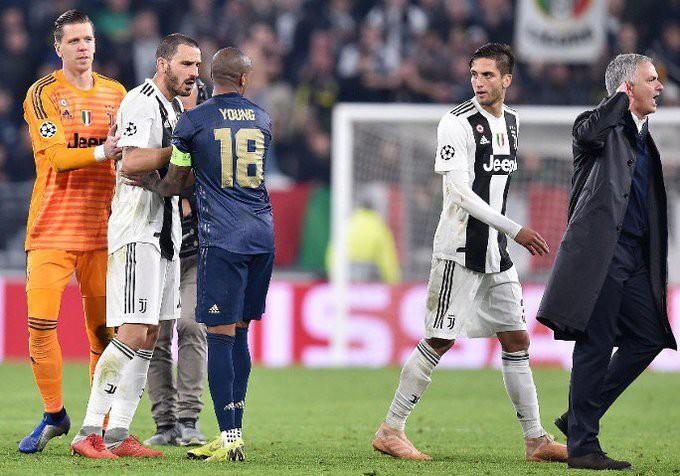Gáy to lên nữa đi nào - Màn trêu ngươi của Mourinho khiến cầu thủ Juventus nổi điên - Ảnh 9.