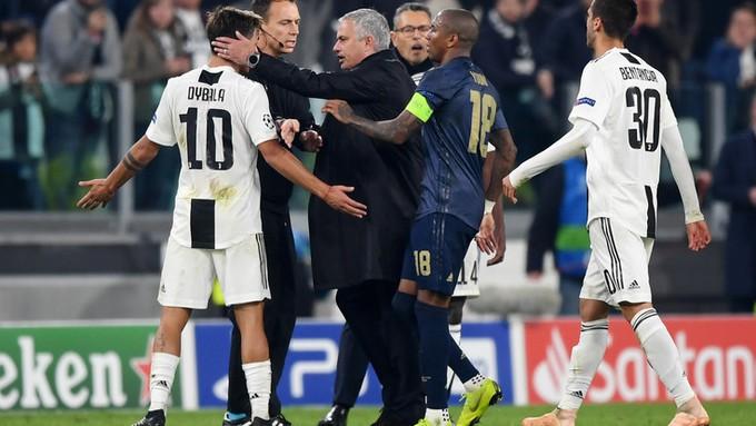 Gáy to lên nữa đi nào - Màn trêu ngươi của Mourinho khiến cầu thủ Juventus nổi điên - Ảnh 10.