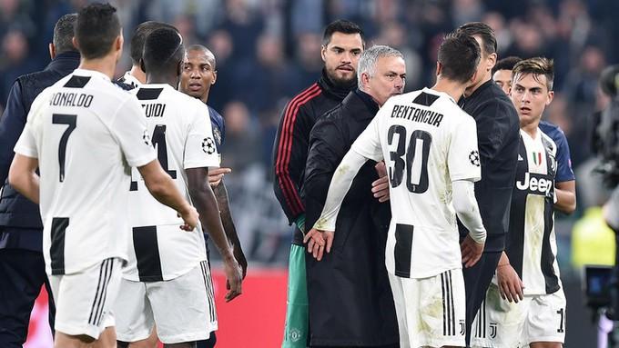 Gáy to lên nữa đi nào - Màn trêu ngươi của Mourinho khiến cầu thủ Juventus nổi điên - Ảnh 11.