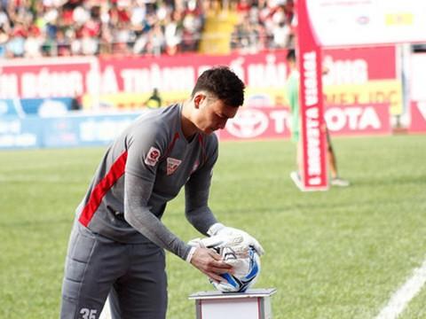 Những nghi thức cầu may của đội tuyển Việt Nam tại AFF Cup 2018 - Ảnh 6.