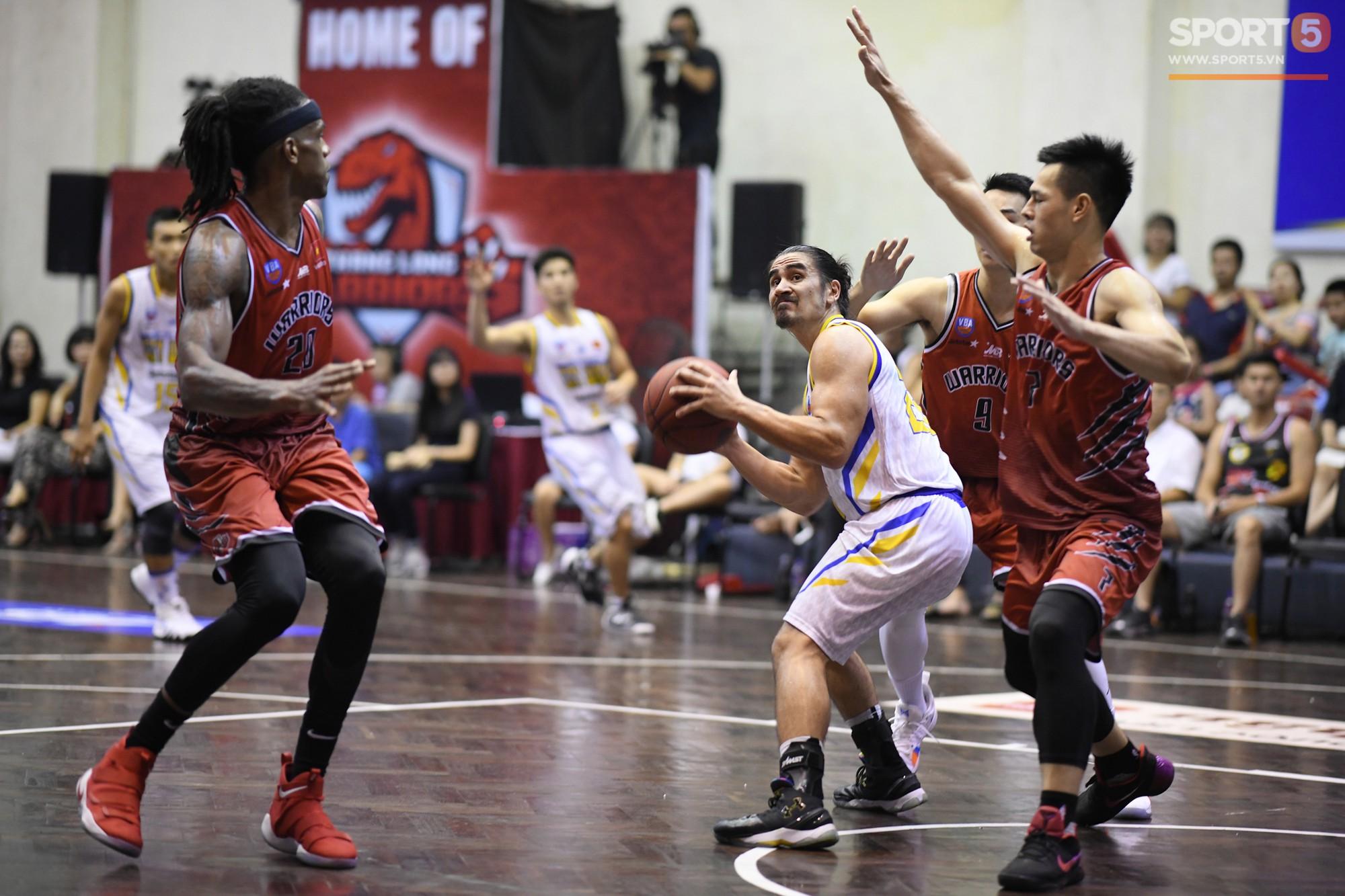 Nội binh tỏa sáng, ĐKVĐ Thăng Long Warriors đả bại Hồ Chí Minh City Wings sau trận đấu kỷ lục của VBA - Ảnh 13.