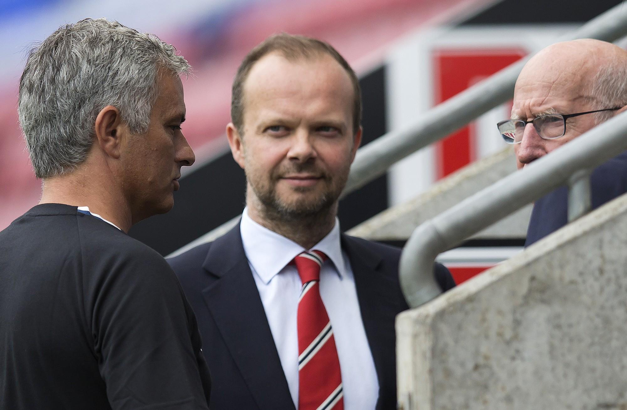 MU thất bại trên TTCN, xin đừng đổ tại Mourinho - Ảnh 4.