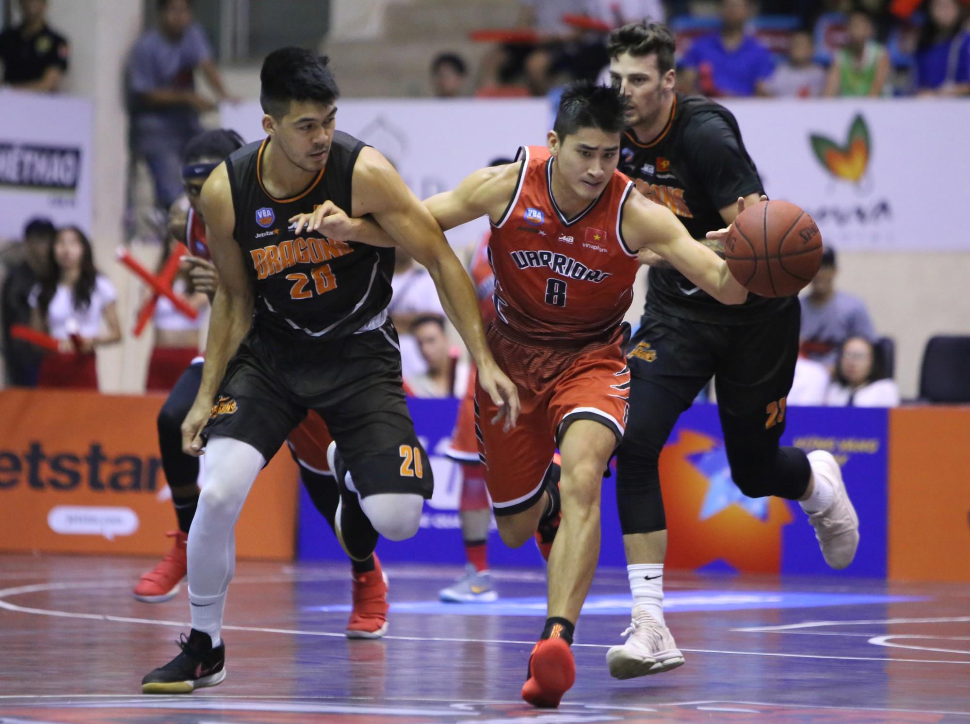 Thăng Long Warriors củng cố vị trí thứ 2 bằng chiến thắng thứ 7 liên tiếp trước Đà Nẵng Dragons  - Ảnh 1.