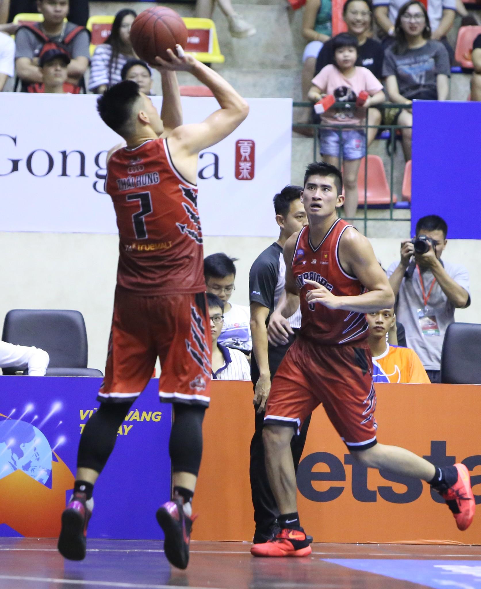 Thăng Long Warriors củng cố vị trí thứ 2 bằng chiến thắng thứ 7 liên tiếp trước Đà Nẵng Dragons  - Ảnh 2.