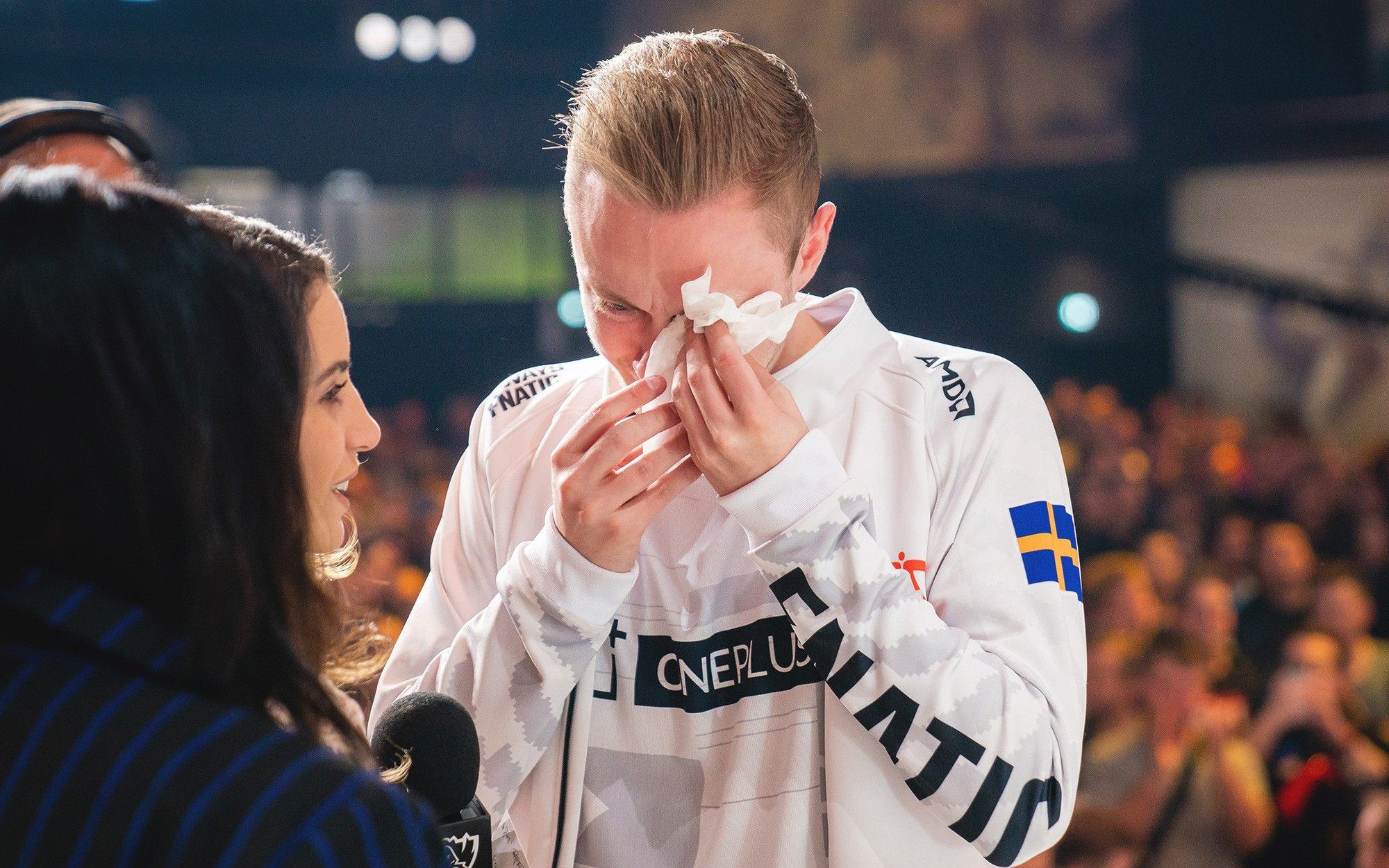 Uzi và trai đẹp Rekkles cùng nhau bật khóc sau trận đấu quyết định tấm vé tới vòng tứ kết CKTG 2019