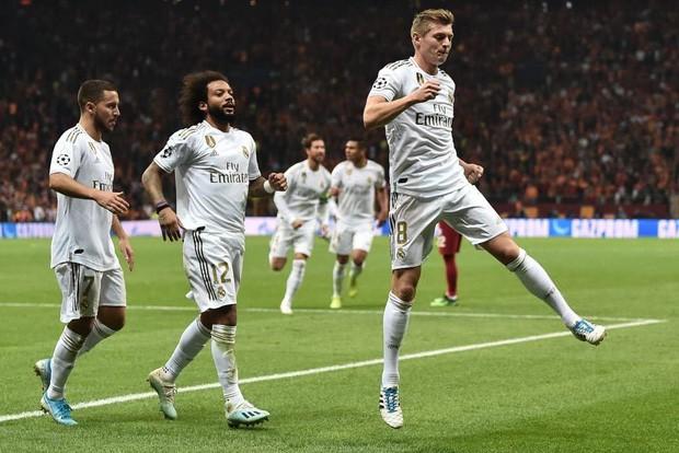 Courtois hóa người nhện, Real Madrid lần đầu hưởng niềm vui chiến thắng tại Champions League mùa này - Ảnh 4.