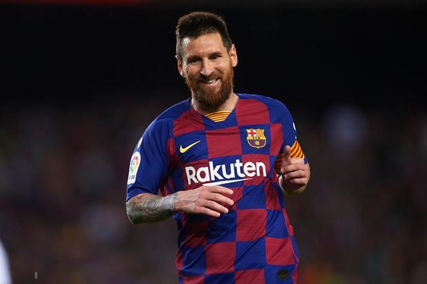 Messi thông nòng bằng siêu phẩm, Barcelona vùi dập kẻ thách thức nhưng niềm vui chưa trọn vẹn bởi drama thẻ đỏ cuối trận - Ảnh 2.