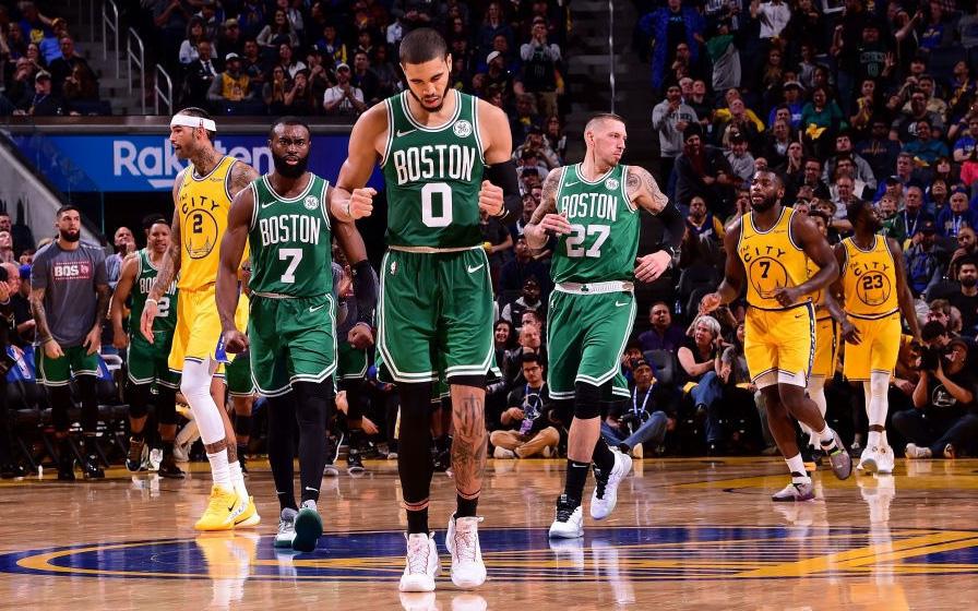 NBA 19-20: Nhọc nhằn hạ Golden State Warriors, Boston Celtics thắng trận thứ 10 liên tiếp