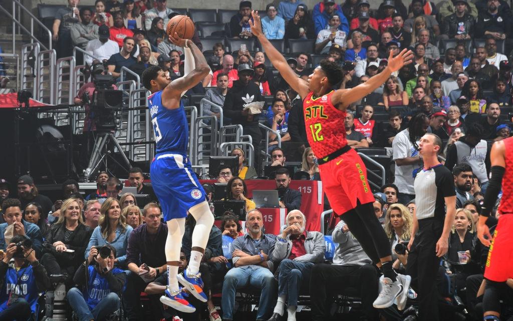 """NBA 19-20: Paul George tỏa sáng với 37 điểm, Los Angeles Clippers """"hủy diệt"""" Atlanta Hawks ngay tại sân nhà"""